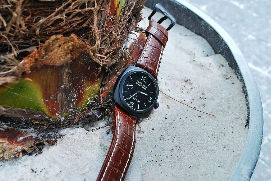 montre noir - bracelet brun 292o3