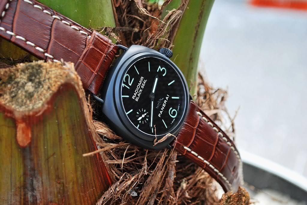 montre noir - bracelet brun 292o4