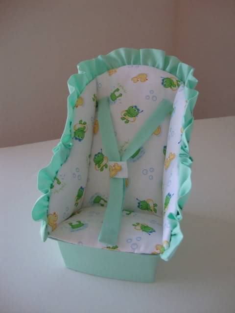 Just Listed 2 Car Seats for Mini OOAKS on NEW AUCTION SITE!! Froggiecarseat004
