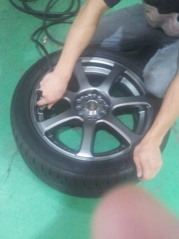 "wtt: 17 tyres and rims to 18"" rims n tyres or 17"" diff desig IMG-20130801-WA0000_zps5729ffdb"