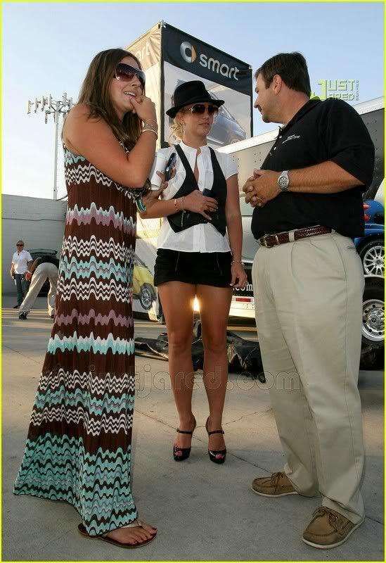 Nuevas Pics... Britney & Allie por LA [14-Junio] Britney-spears-auditions-12