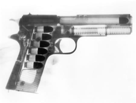 Visée différente bras franc / deux mains?  Gun20Fired
