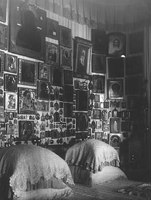 Los palacios de los Romanovs Bed1