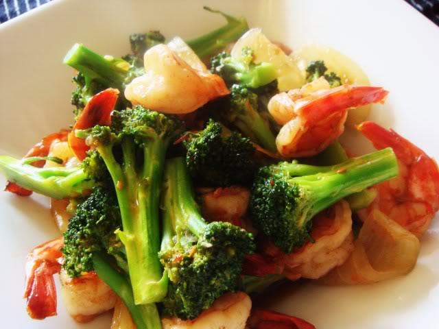 Tôm sốt dầu hào với broccoli DSC02211