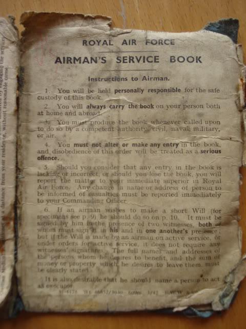 RAF PAY BOOK POUR DES BELGES DSC02949