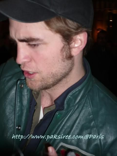Robert Pattinson - Página 5 Rob122