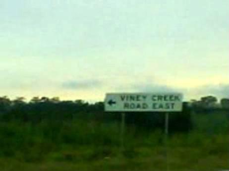 Viney Street Signs Vineycreek
