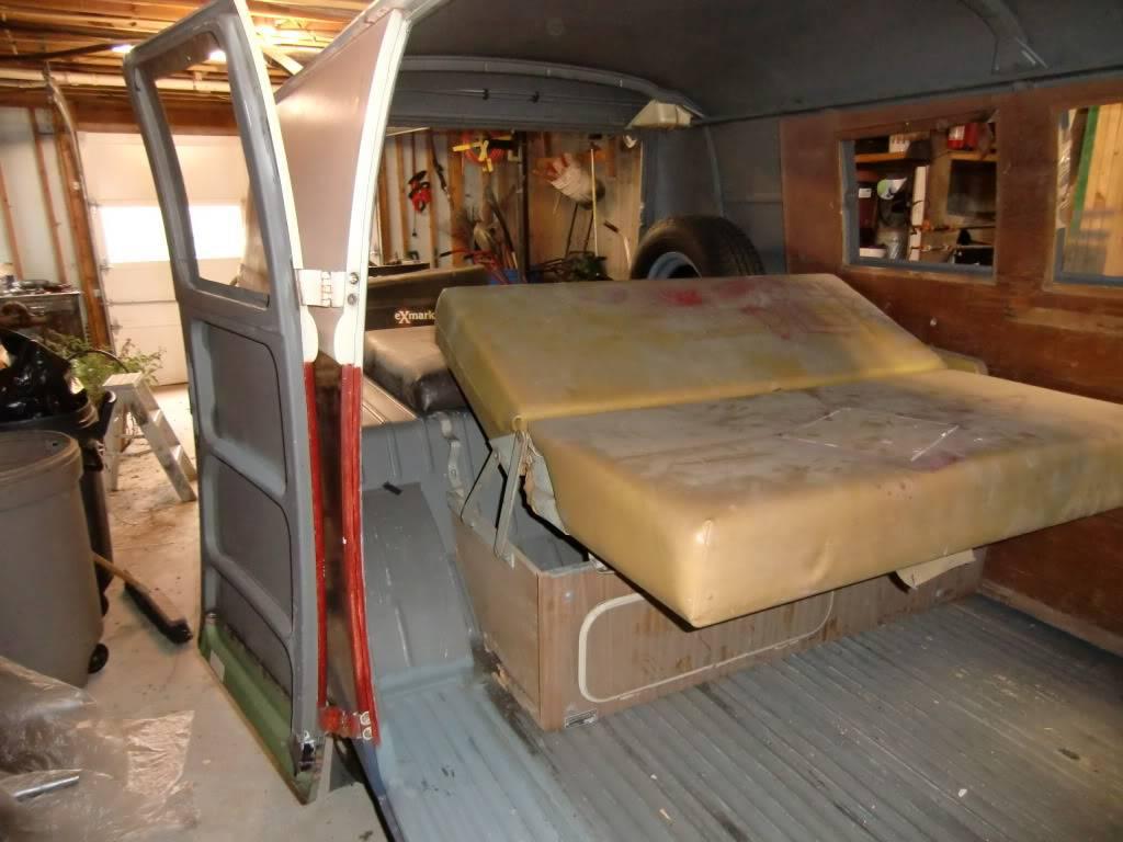 "66 Camper Bus ""Bocephus"" CIMG1650"