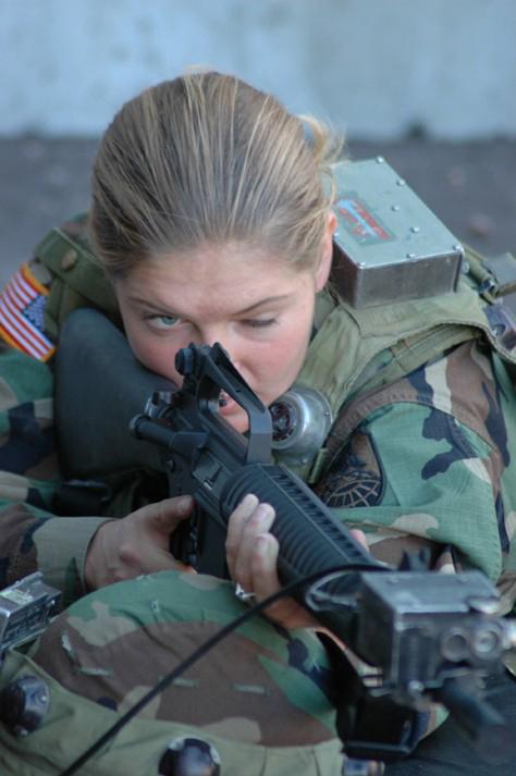 soldates du monde en photos Female20shooting