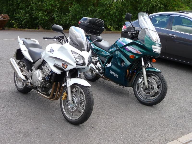 Torque Monster Shootout….  Yamaha FZ1, Honda CBF 1000, Honda CB1300S. P1000705