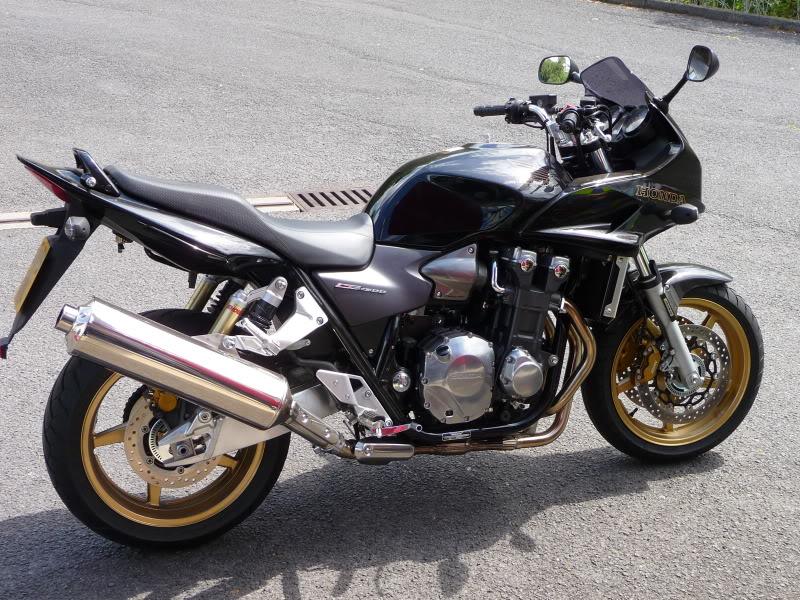 Torque Monster Shootout….  Yamaha FZ1, Honda CBF 1000, Honda CB1300S. P1000709