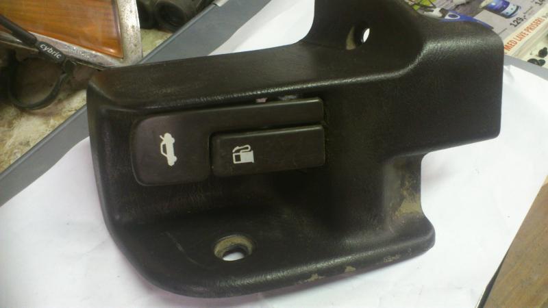 "Switches, clocks , 6.5"" speakers +++Euro LHD e10 DSC_1417_zps18e2559c"