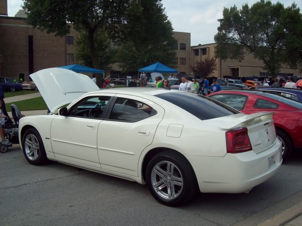 Pics from Car Fest in Chicago Heights 9/5/09!!! Newmods087