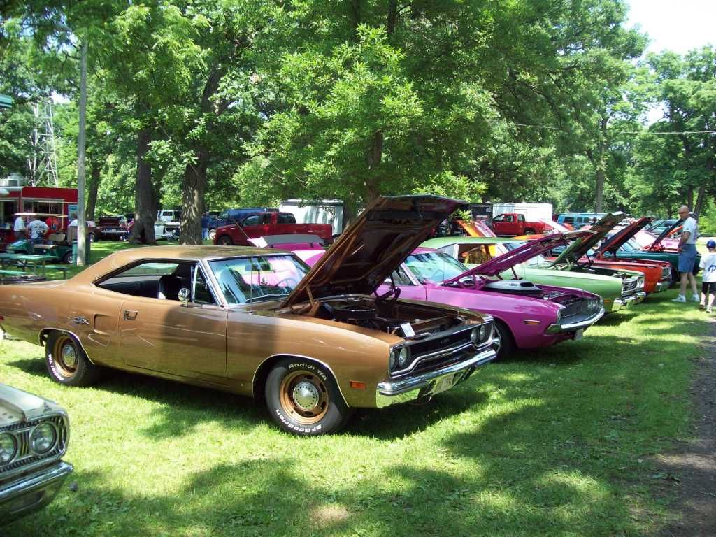 PICS from 20th annual Mopars by the River Momence, IL 6/14/09!!! Shows022