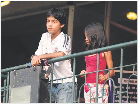 FOTOS DESDE LA NIÑEZ DE ARYAN Y SUHANA Children_027