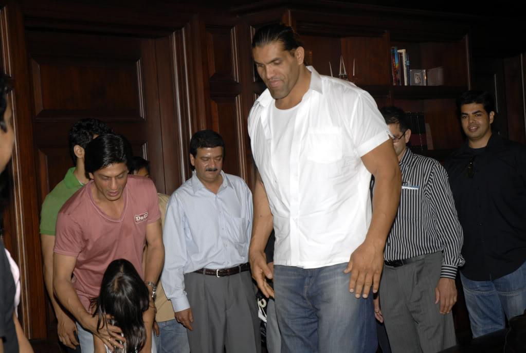 SRK Y EL GRAN KALI Khaliaug08_001
