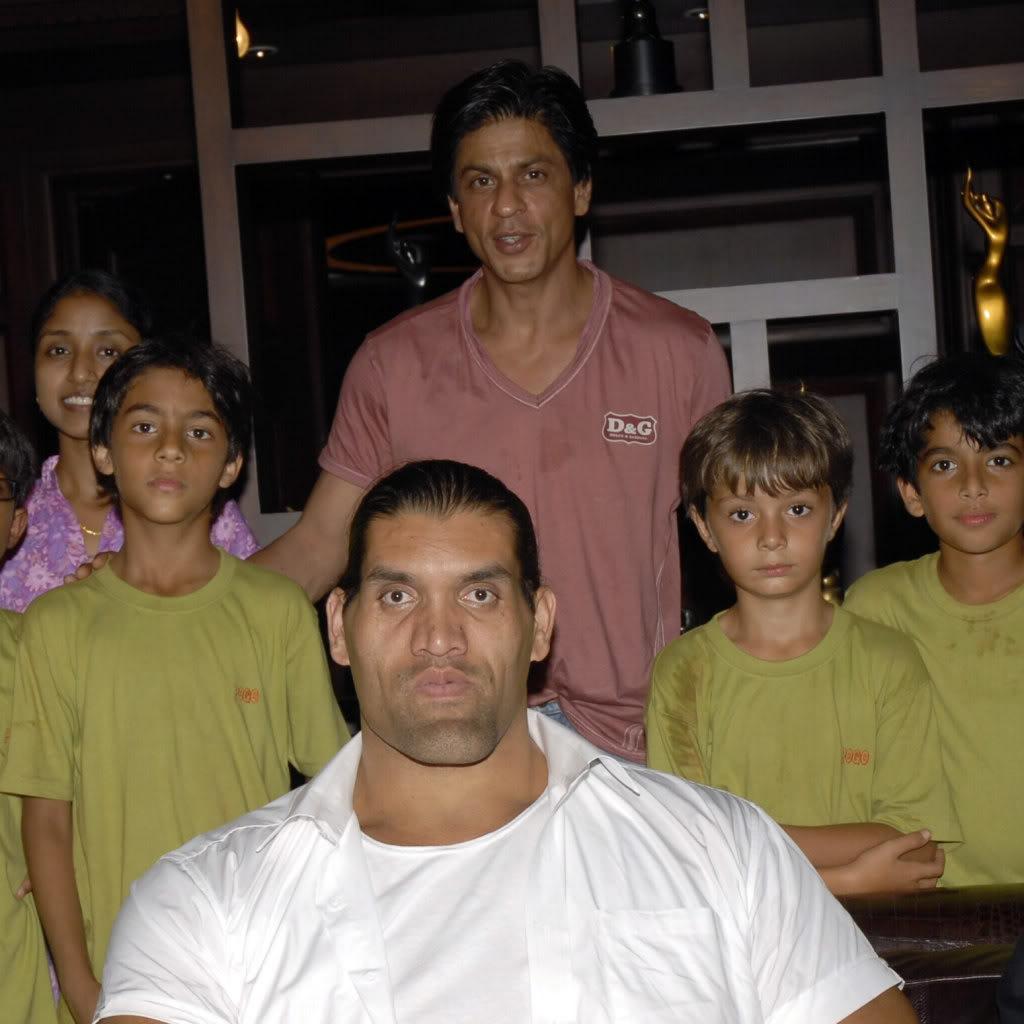 SRK Y EL GRAN KALI Khaliaug08_002