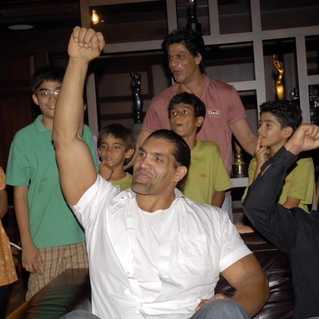 SRK Y EL GRAN KALI Khaliaug08_003