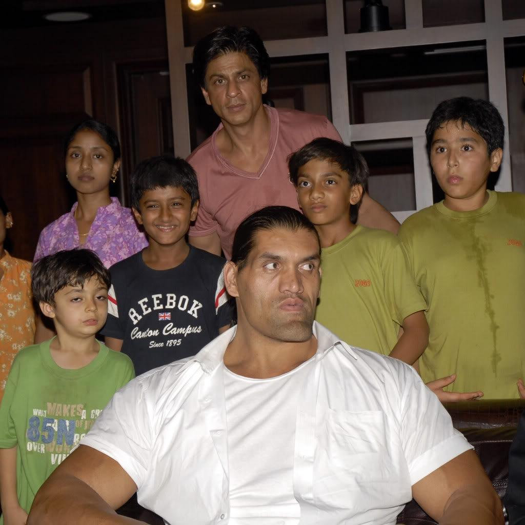 SRK Y EL GRAN KALI Khaliaug08_004