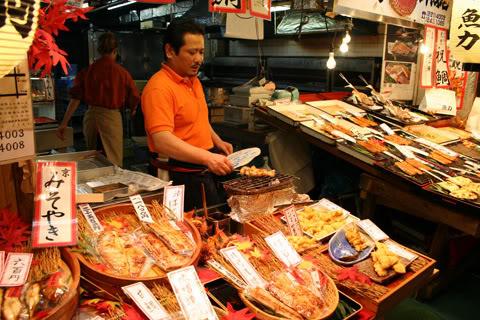 [Đời sống - Văn hóa] Chợ Nishiki - Kyoto Nishiki_market_yakizakana_30