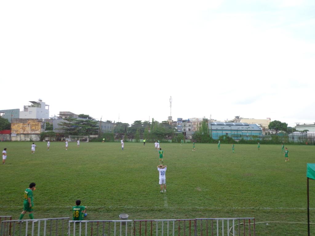 BÌNH LUẬN 03/11/12 LXFC - BARCA DATDUC FC: 4 - 2 DSC00276