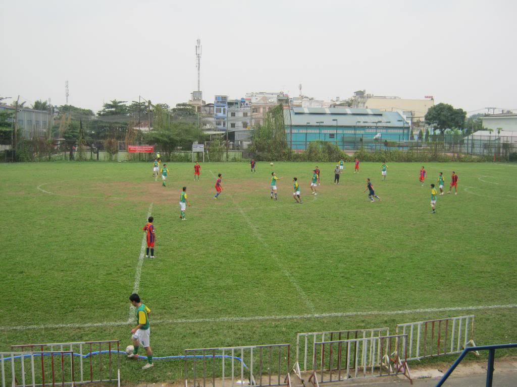 BÌNH LUẬN TRẬN ĐẦU NĂM 2013: LXFC - HOÀNG FC 4 - 3 IMG_0590_zpsb5f795d9