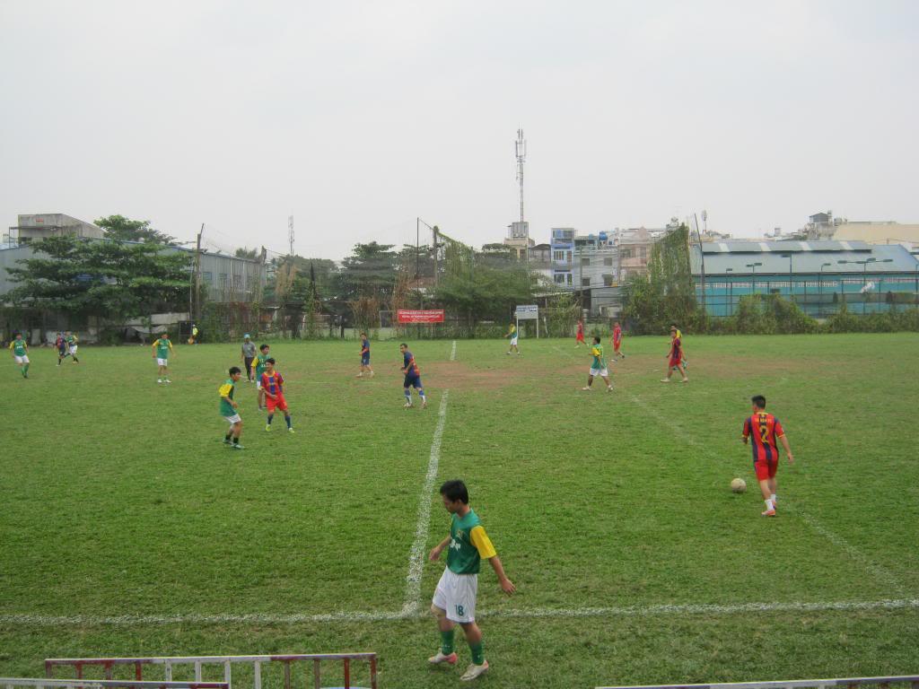 BÌNH LUẬN TRẬN ĐẦU NĂM 2013: LXFC - HOÀNG FC 4 - 3 IMG_0595_zpsa2674e01