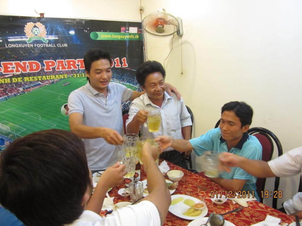 PHẦN 3: HÌNH ẢNH YEAR-END PARTY 2011 IMG_1430