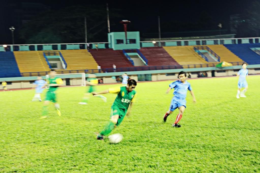 BÌNH LUẬN 12/05/12 LXFC - HAINAM FC: TRẬN CẦU ĐẸP CỦA NHỮNG NGƯỜI LONG XUYÊN IMG_1440-1
