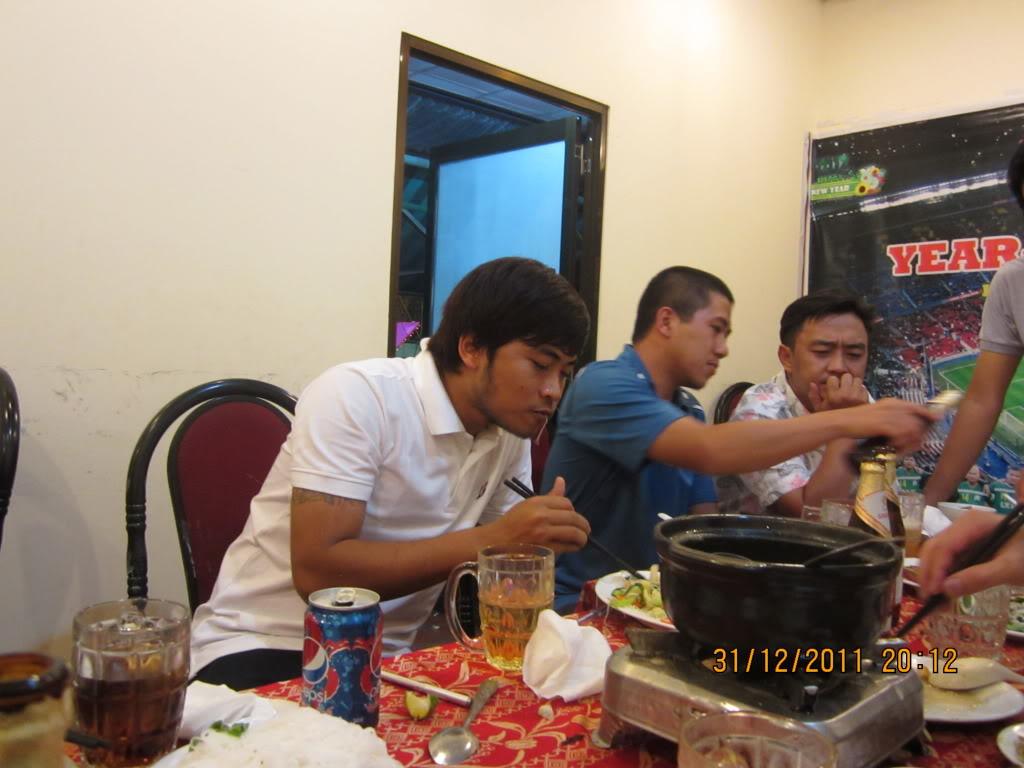 PHẦN 3: HÌNH ẢNH YEAR-END PARTY 2011 IMG_1476