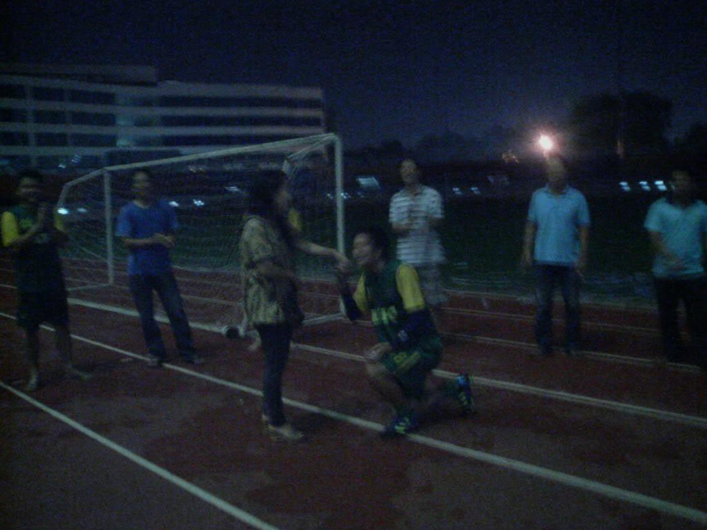 BÌNH LUẬN 12/05/12 LXFC - HAINAM FC: TRẬN CẦU ĐẸP CỦA NHỮNG NGƯỜI LONG XUYÊN Image319