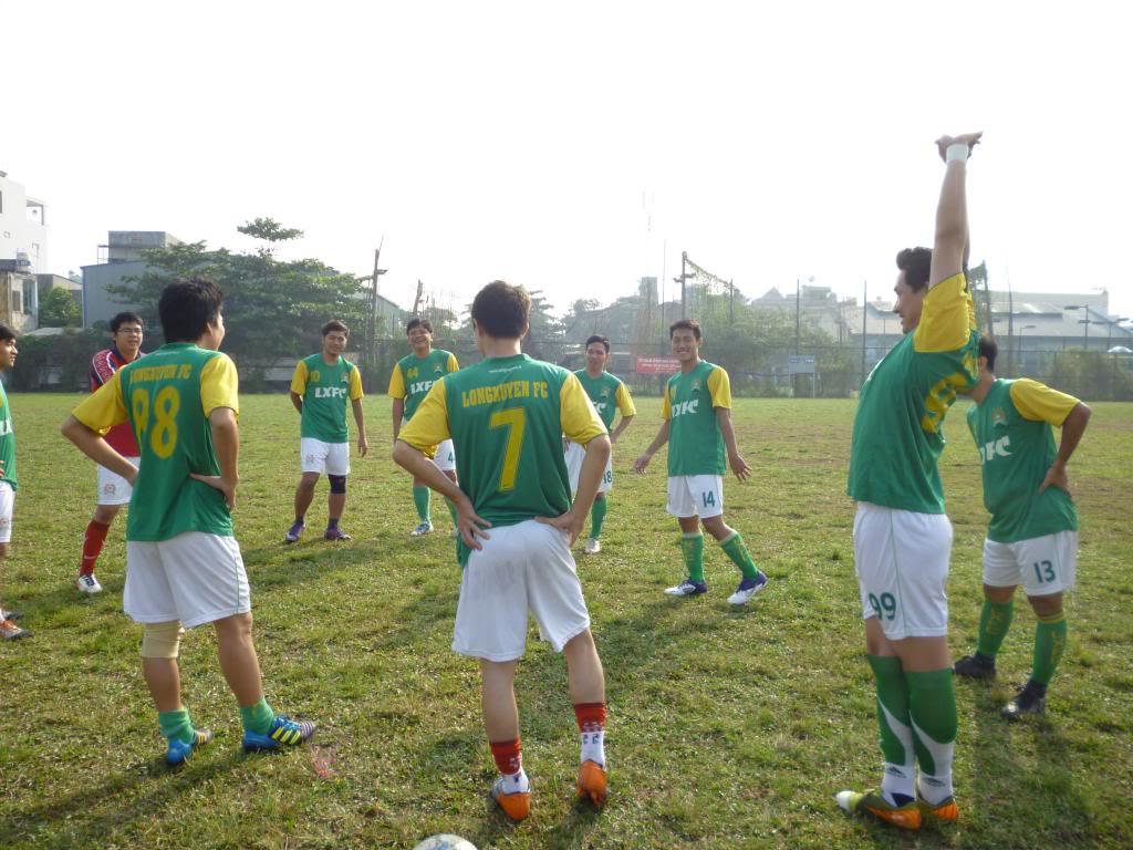 BÌNH LUẬN TRẬN CUỐI NĂM 2012: LXFC - HAINAM FC 3 - 2  P1030354_zps6faa6ff0