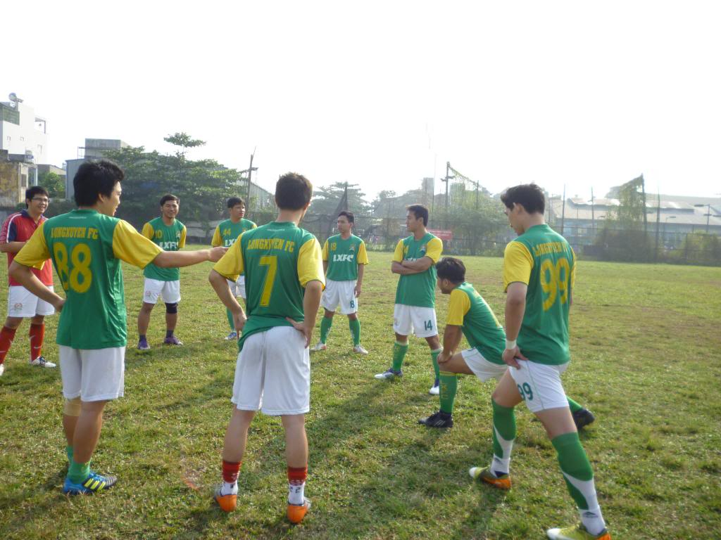 BÌNH LUẬN TRẬN CUỐI NĂM 2012: LXFC - HAINAM FC 3 - 2  P1030357_zps9e7769c1