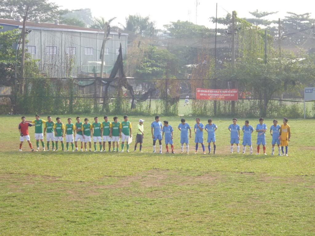 BÌNH LUẬN TRẬN CUỐI NĂM 2012: LXFC - HAINAM FC 3 - 2  P1030364_zpsc0d9a648