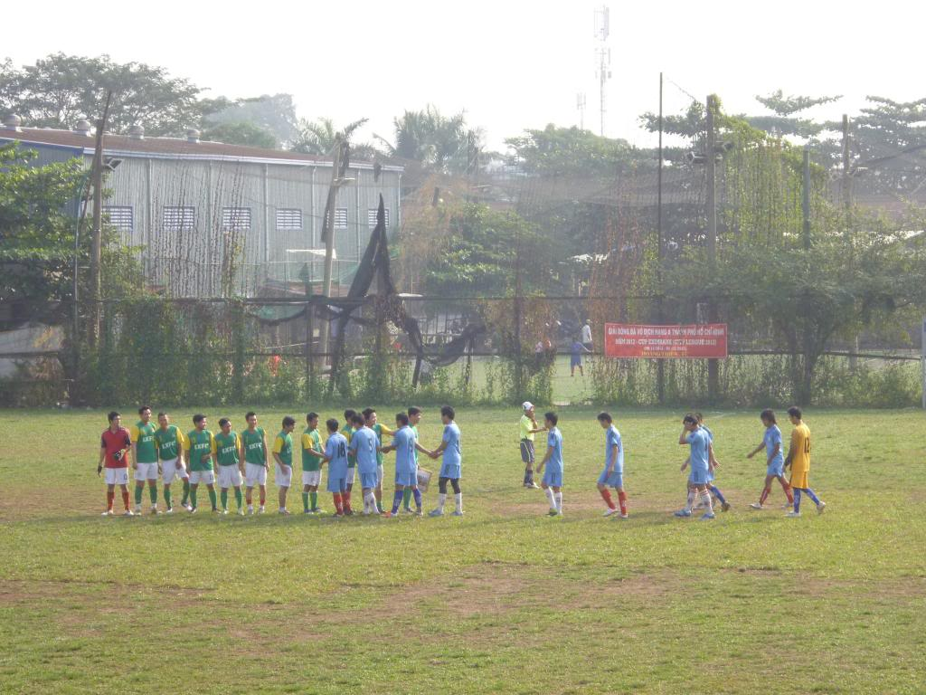 BÌNH LUẬN TRẬN CUỐI NĂM 2012: LXFC - HAINAM FC 3 - 2  P1030367_zps6e41ad38