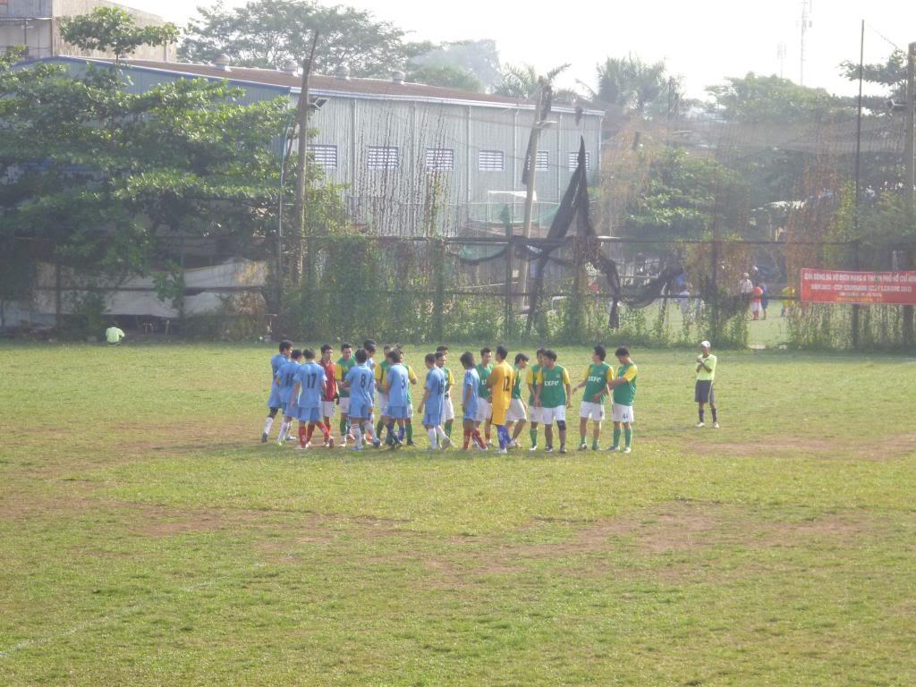 BÌNH LUẬN TRẬN CUỐI NĂM 2012: LXFC - HAINAM FC 3 - 2  P1030369_zps8d7a3b19