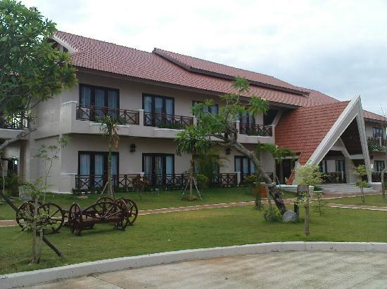 CHƯƠNG TRÌNH CHI TIẾT: LXFC TỎA SÁNG TRÊN ĐẤT LÀO ResortSavan_zpsca91a8d4