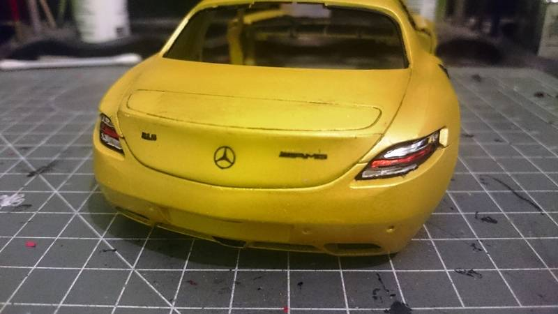 Mercedes Benz SLS AMG 1/24 Revell 2016-02-05%2002.23.45