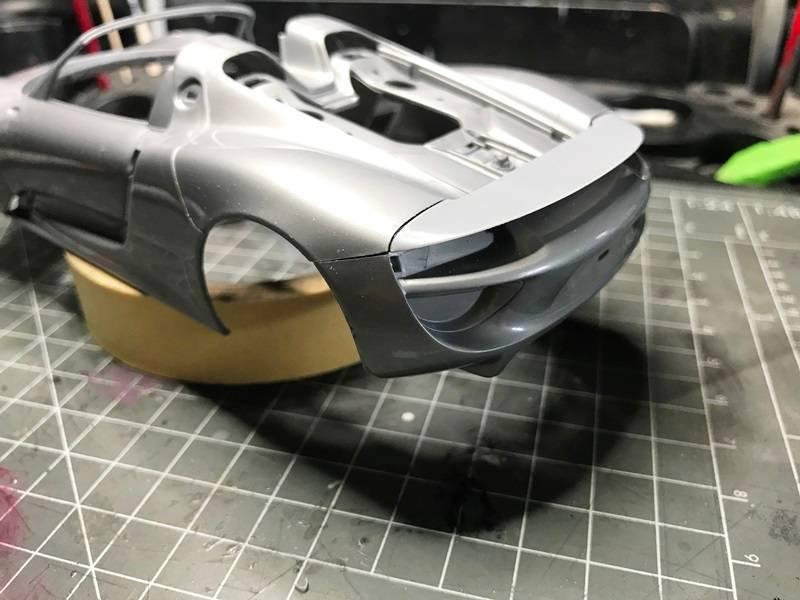 BMW i8 contra Porsche 918 Spyder REVELL 1/24 2017-05-26%2012.22.02