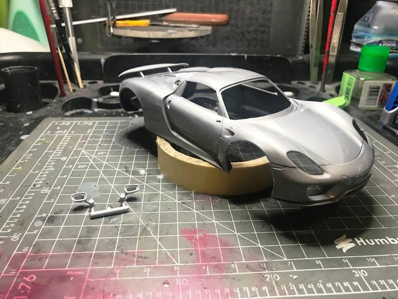 BMW i8 contra Porsche 918 Spyder REVELL 1/24 2017-05-26%2020.43.52