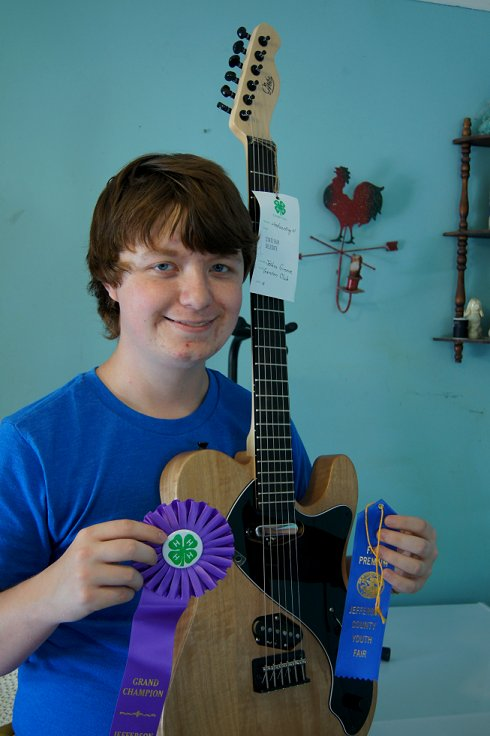 I made my own guitar for a 4-H Fair project! Dsc08419_zps806cf89b