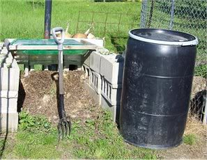 Rabbit manure, red wiggler worms & your garden Compost