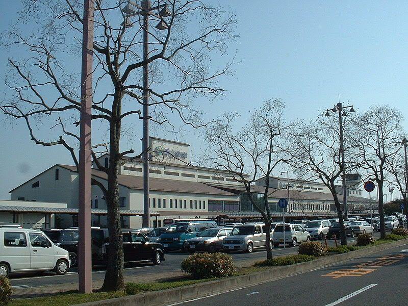 """""""FS9"""" Okayama - Yonago 800px-Okayama_Airport"""