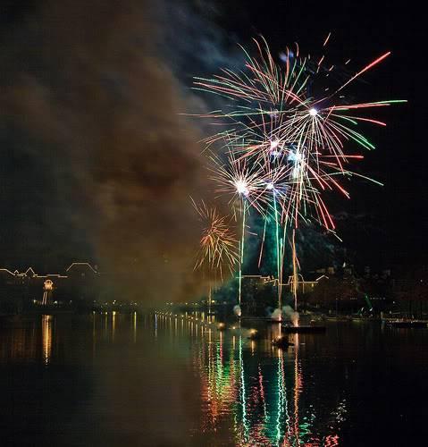DISNEY VILLAGE - Disney's bonfire 3030058175_a2bccf1873