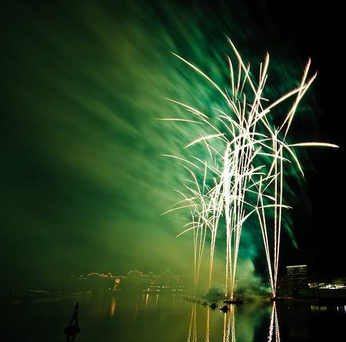 DISNEY VILLAGE - Disney's bonfire 3030116181_26eb6fea74