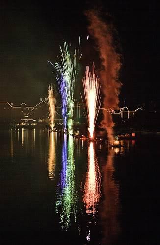 DISNEY VILLAGE - Disney's bonfire 3030940688_54a8996d8b