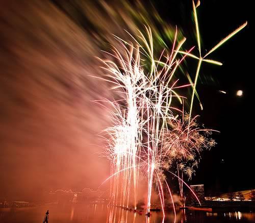 DISNEY VILLAGE - Disney's bonfire 3030956124_cd9b3f8540