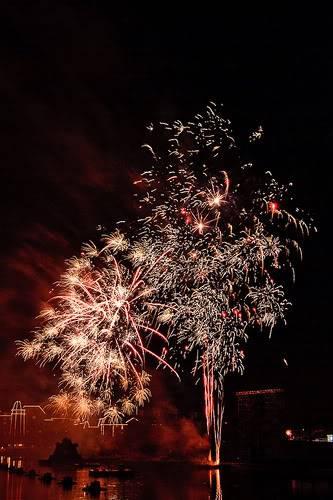 DISNEY VILLAGE - Disney's bonfire 3030957574_55bc637168