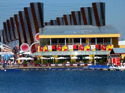 Disney Village :: Café Mickey 3290