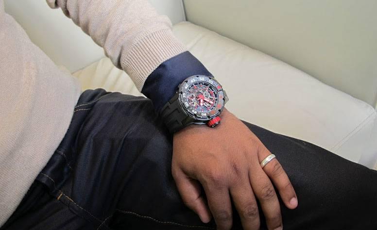 Robo reloj 500.000 € en ibiza Richard-mille-rm-025-marcus-wrist2